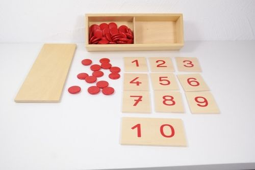 Cut-out  Numerals 1 - 10 and 55 Wooden Counters in a Box (G-Print)