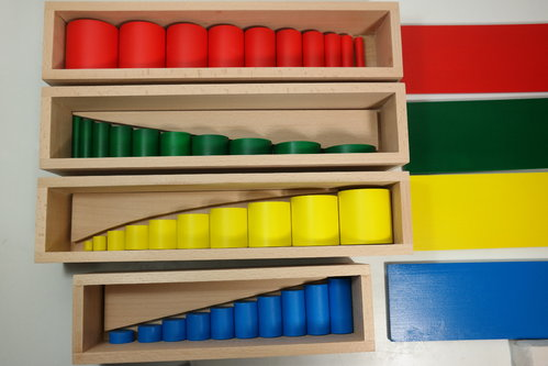 Coloured Cylinders in 4 Boxes
